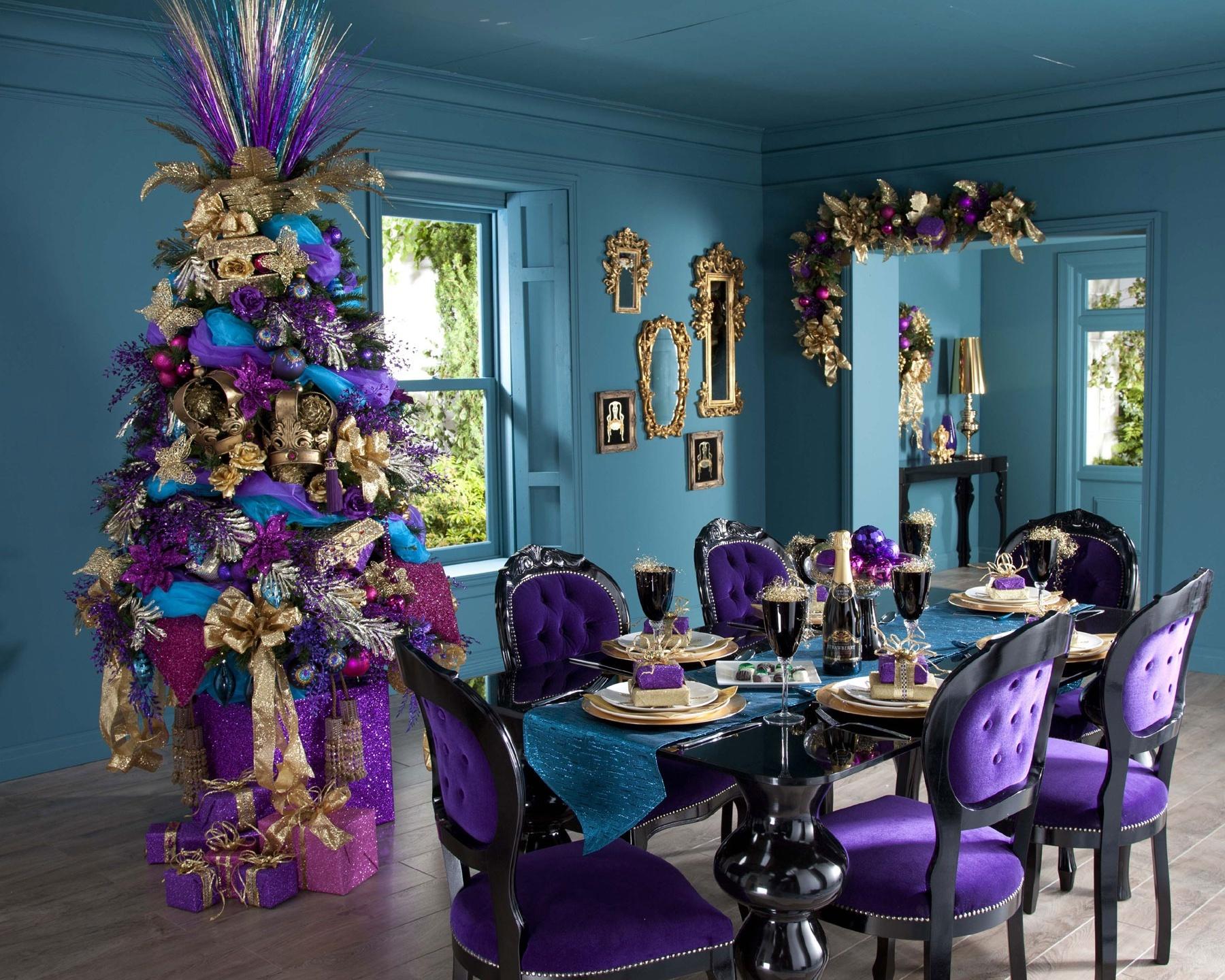 Декор интерьера в насыщенном синем, зеленом, голубом, салатовом, желтом, золотом, коричневом цветах