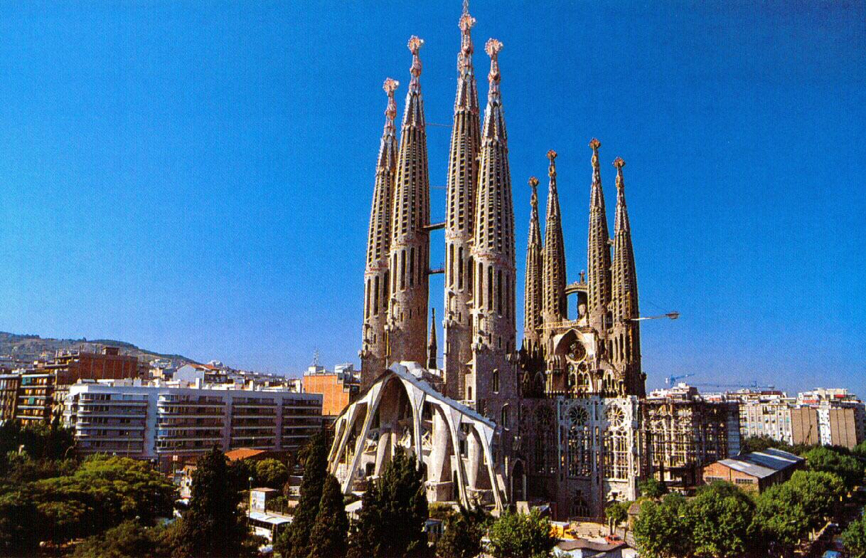 Центральный шпиль церкви будет иметь высоту 170 метров.