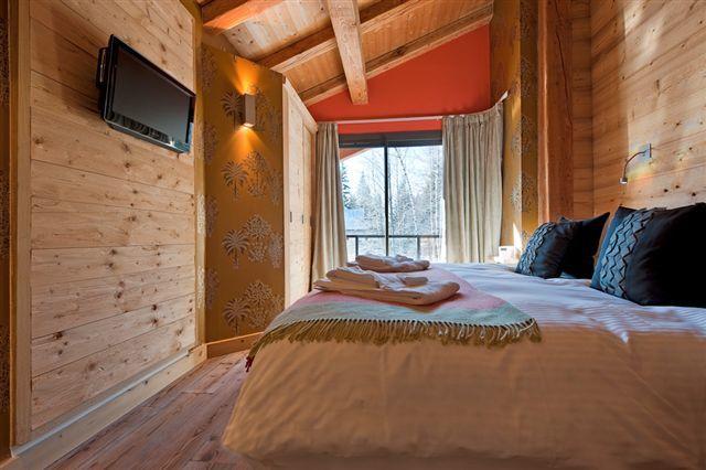 Спальня в альпийском шале