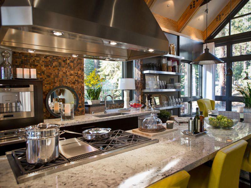 Встроена варочная панель для приготовления блюд