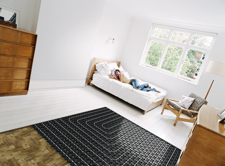 Спальня с теплым полом