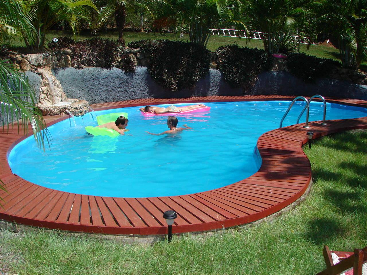 Размеры и глубина бассейна должны соответствовать возрасту и росту ребенка.