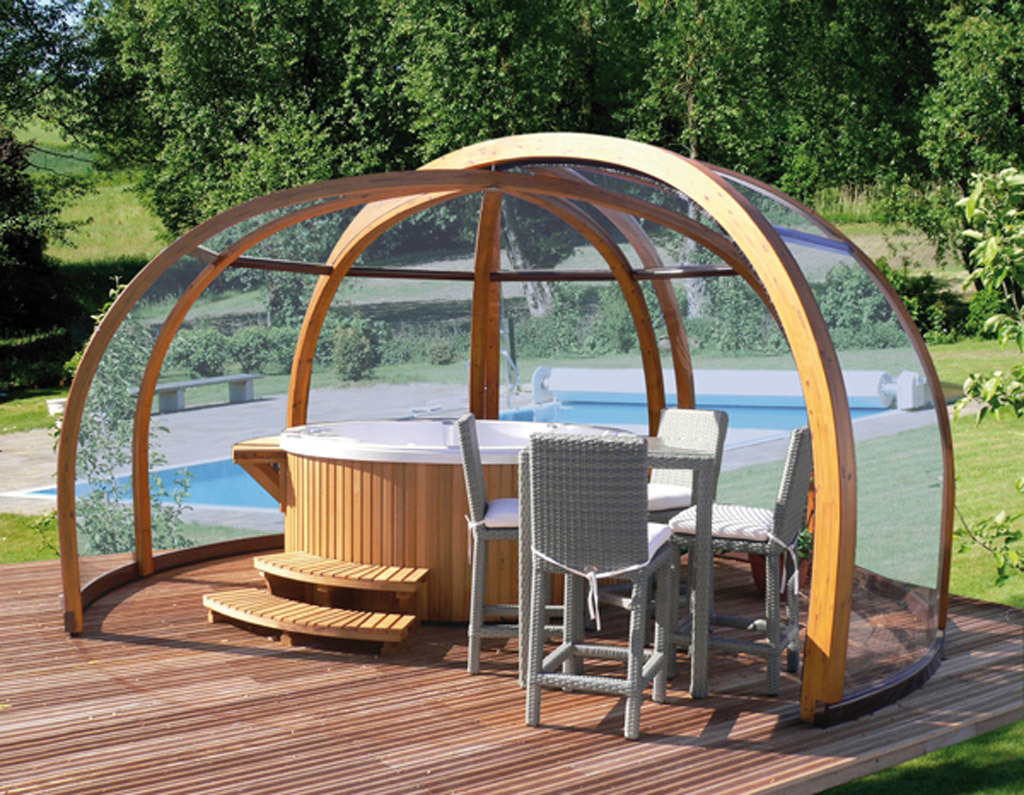 Уютная зона отдыха с джакузи