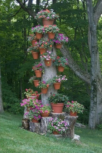Подставка для цветов из старого дерева