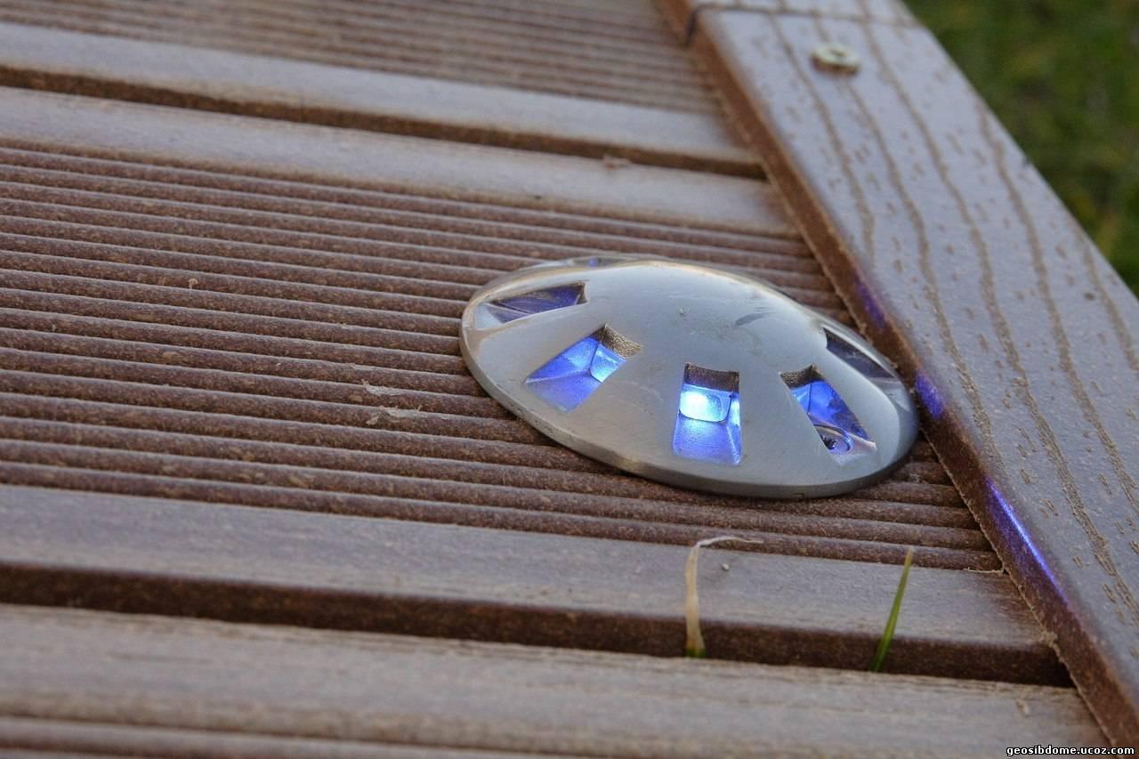 Кабели или напольные светильники во внутренних каналах