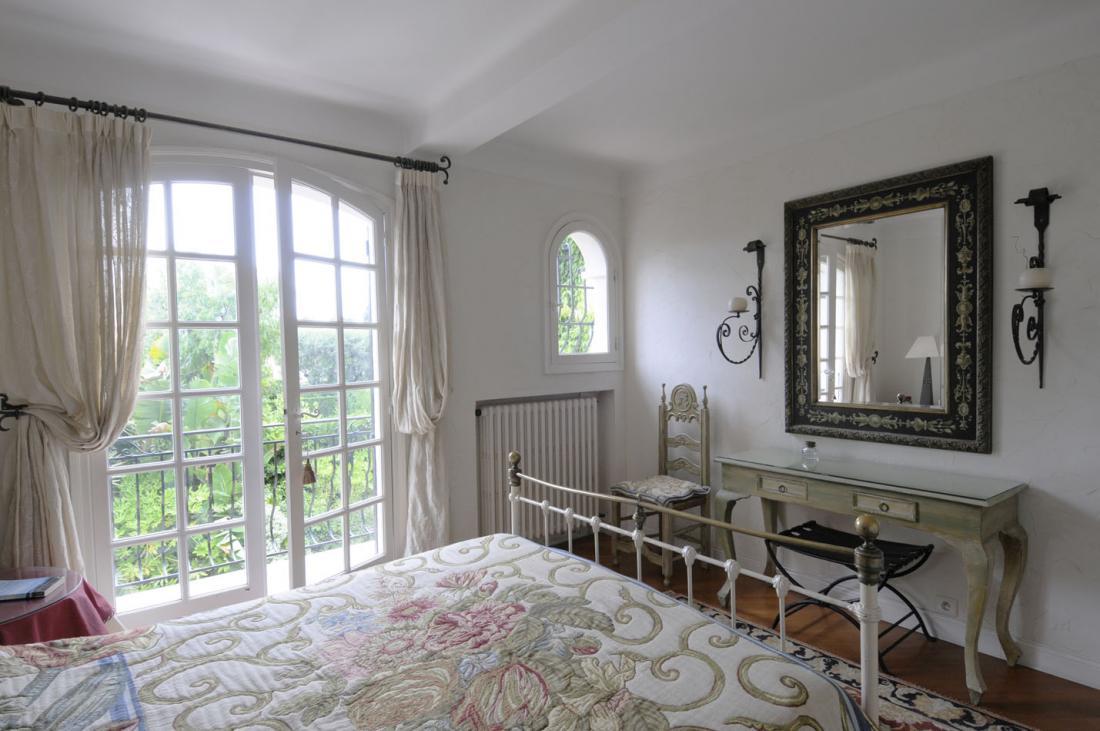 Французский стиль в интерьере спальни
