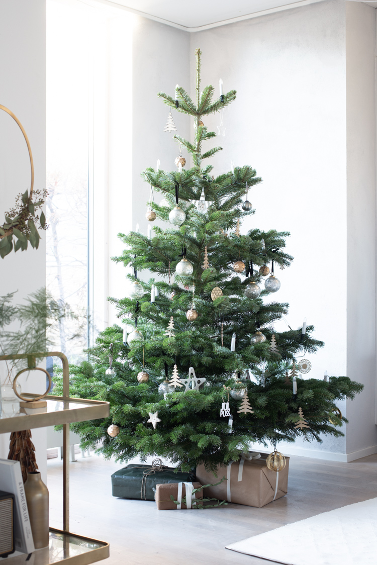 Scandinavian style Christmas tree