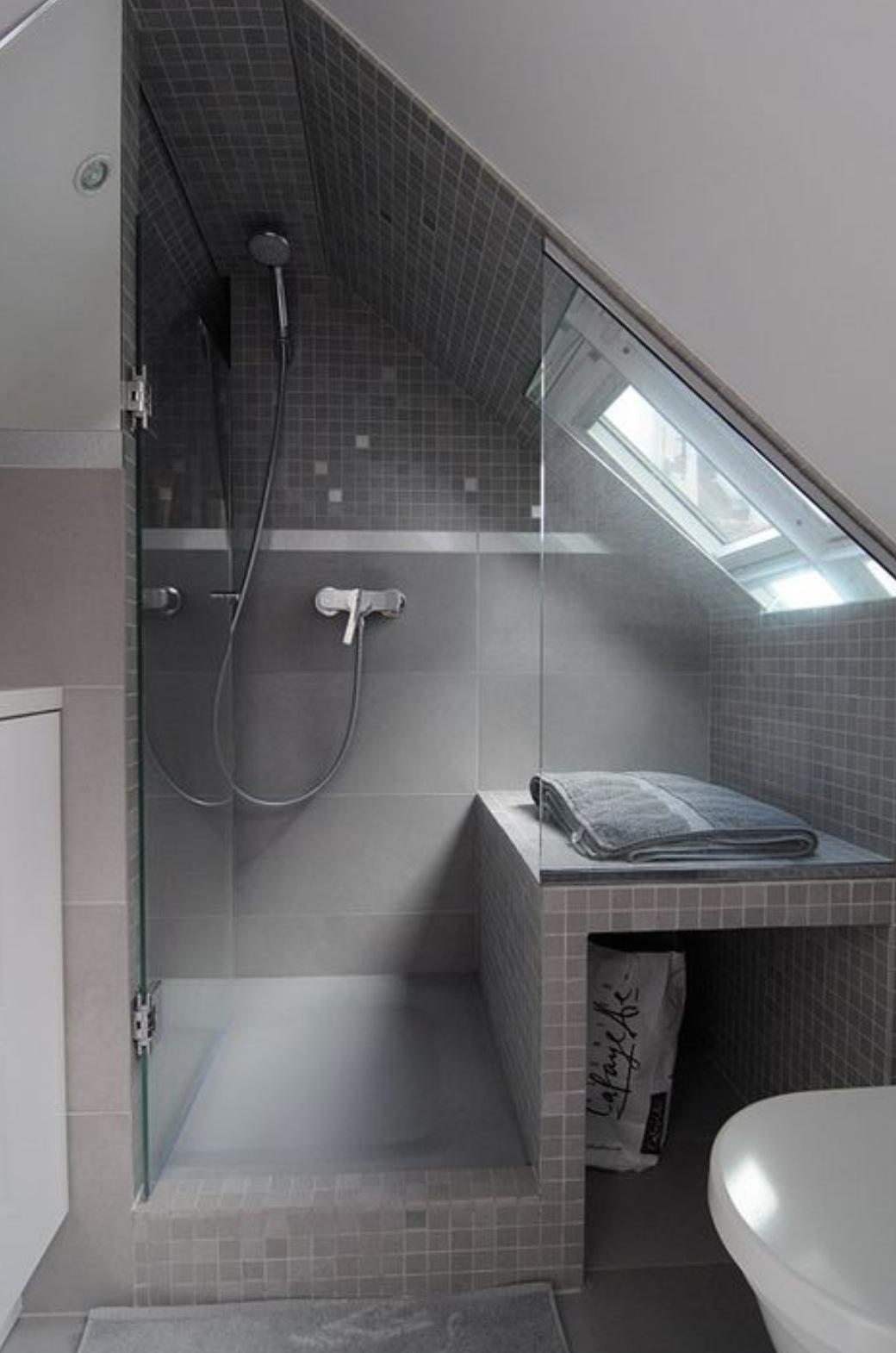 Ванная в мансарде