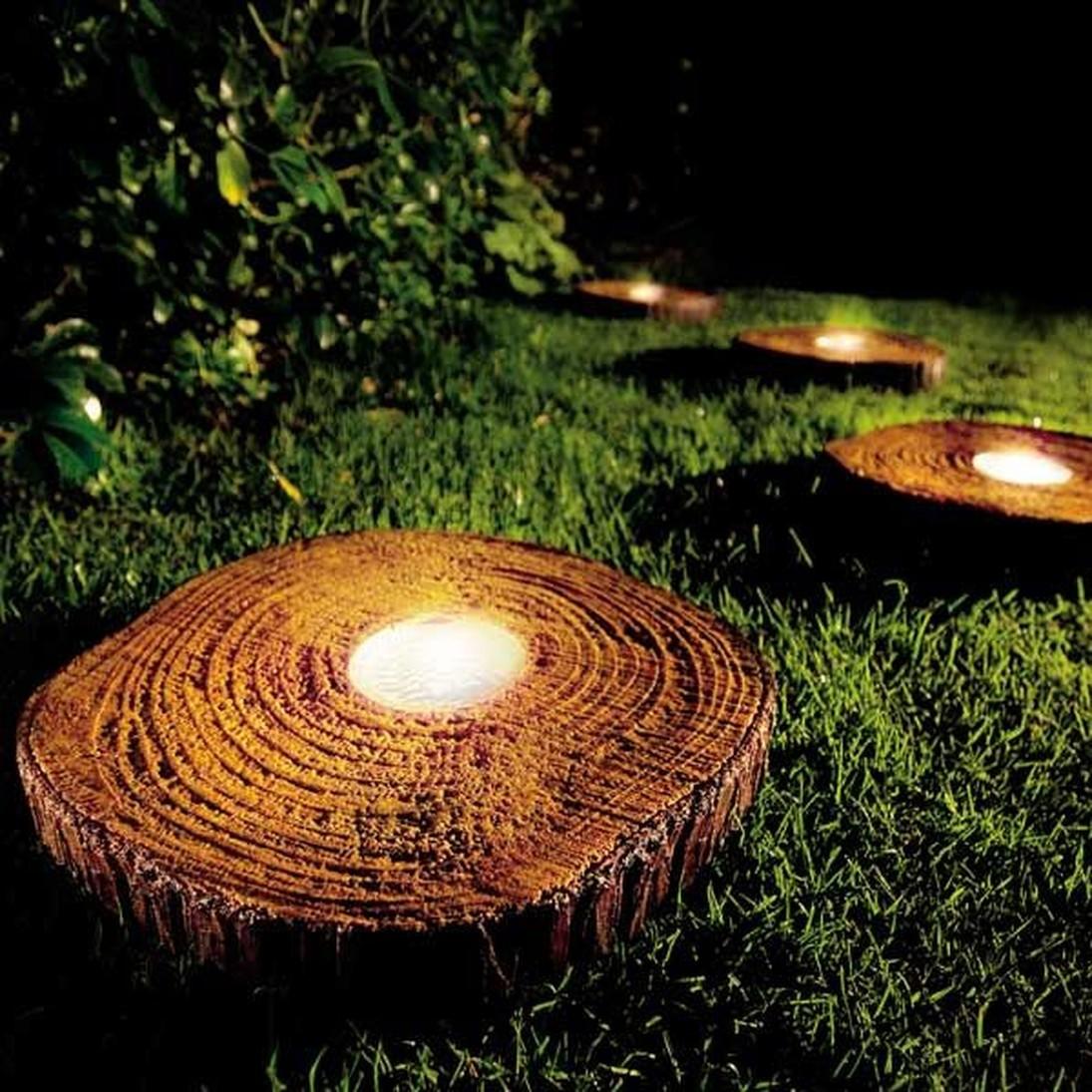 Садовые светильники из пня