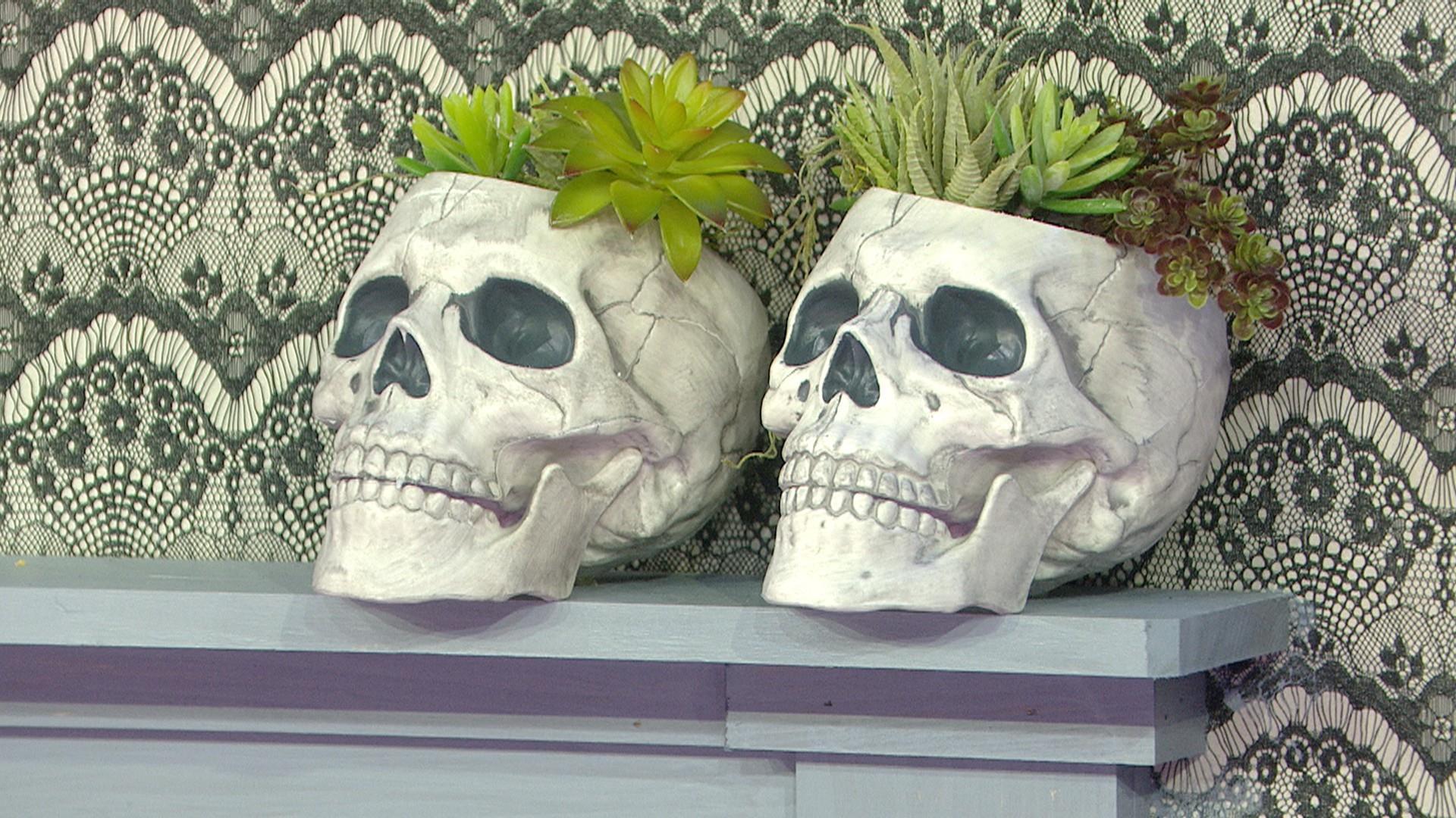 Кашпо для цветов череп