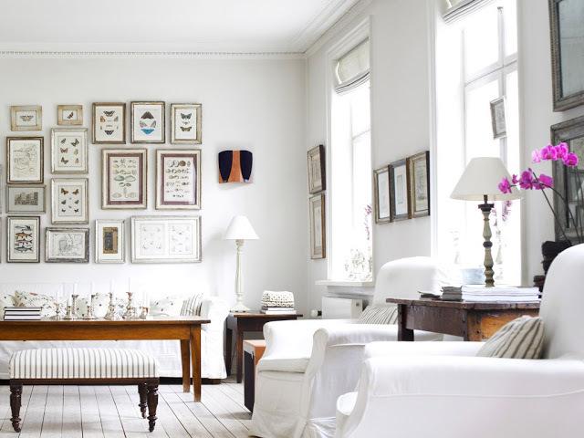 Очень украсят дом и сделают его уютнее фотографии на стенах.