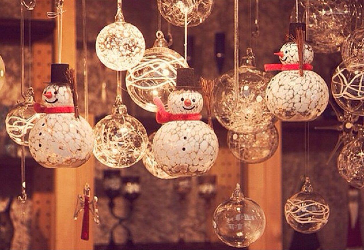 Новогодние украшения из стекла