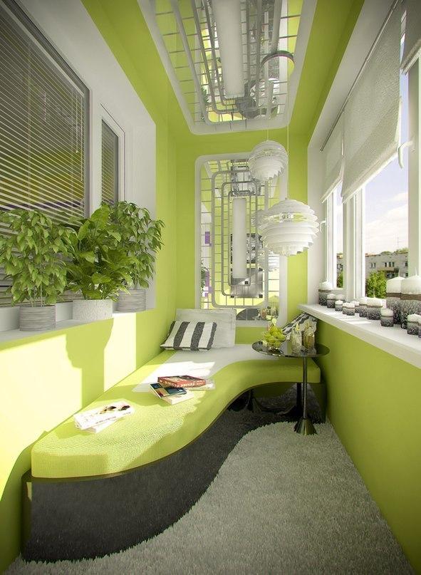 Используйте светлый цвет в отделке балкона, применяйте зеркала, установите большие окна.