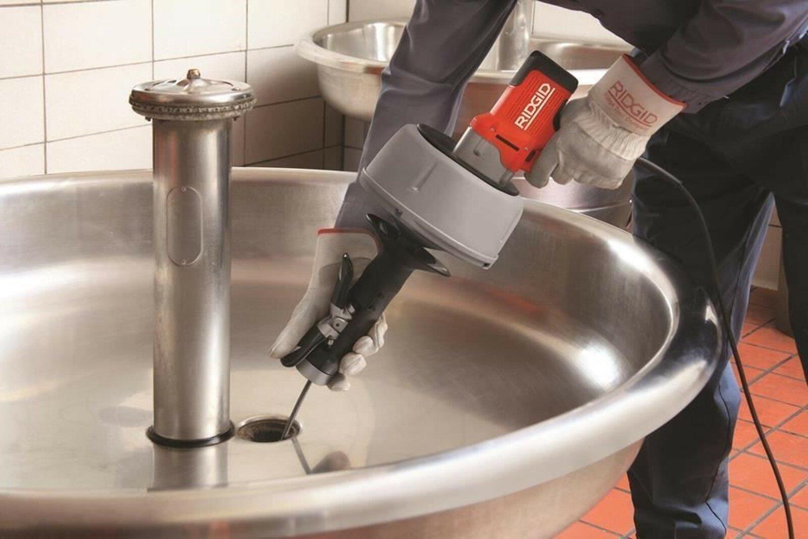 Прочистка канализационных труб в частном доме от компании Труболюб