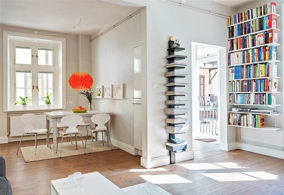 Стеллаж с открытыми полками идеально подойдет для размещения книг и журналов в комнате студента.