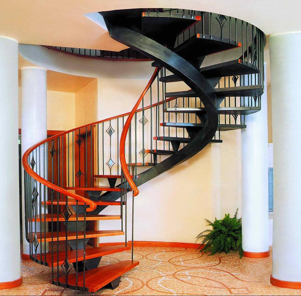 По проектным планам можно точно просчитать параметры лестницы и расход материалов для ее изготовления.