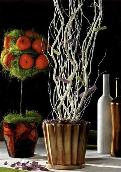 Ствол для дерева счастья можно изготовить из проволоки, деревянных шпажек, красиво изогнутой ветки.