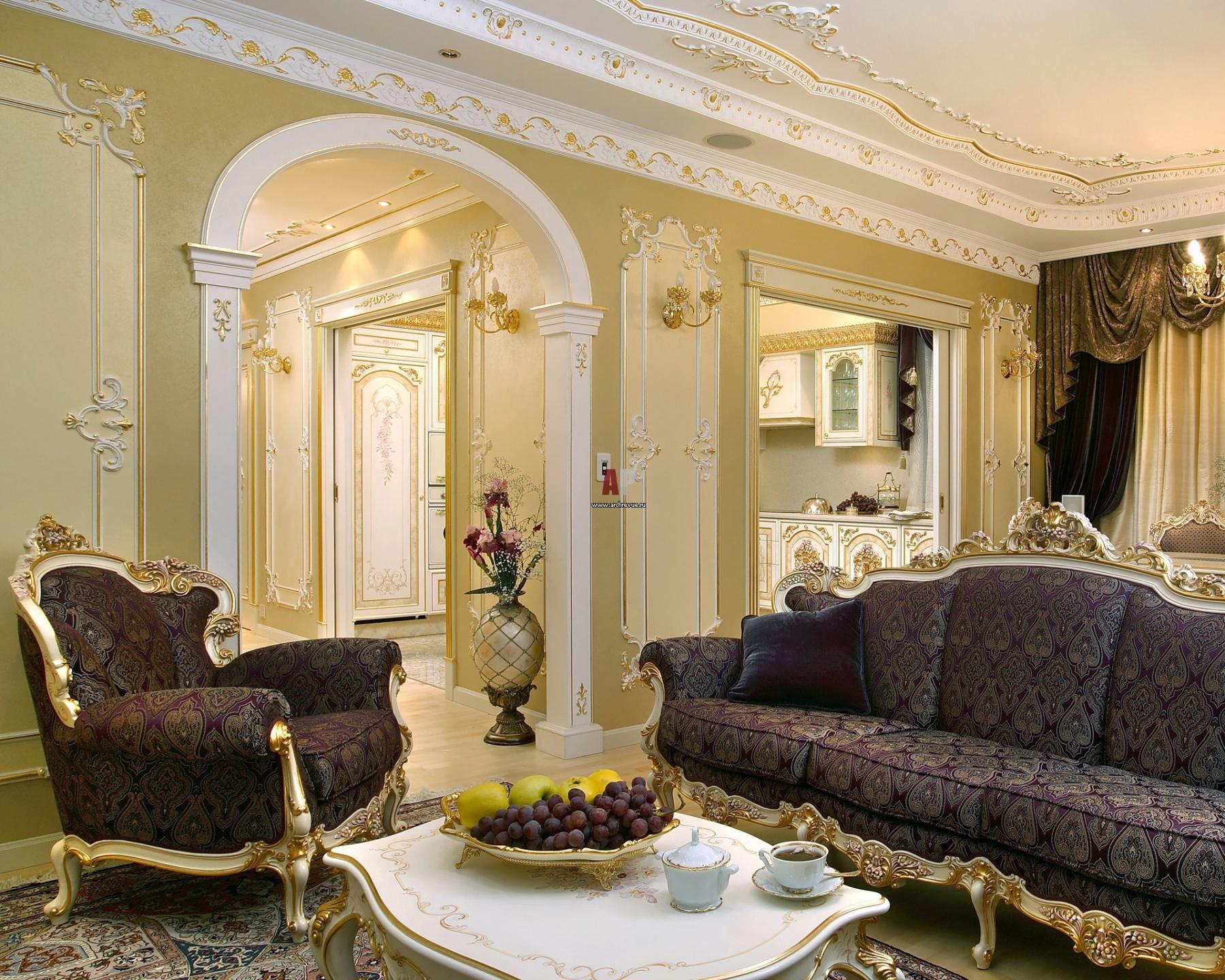 Мебель для классической гостиной изготавливается вручную по специальному заказу и исключительно высочайшего качества, из ценных пород дерева.