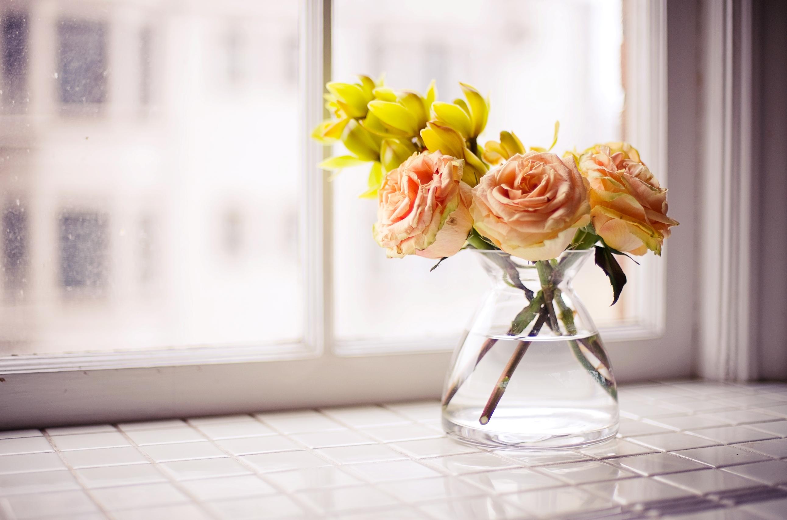 Чтобы придать объем, флористы часто делают букеты Х-образной формы.