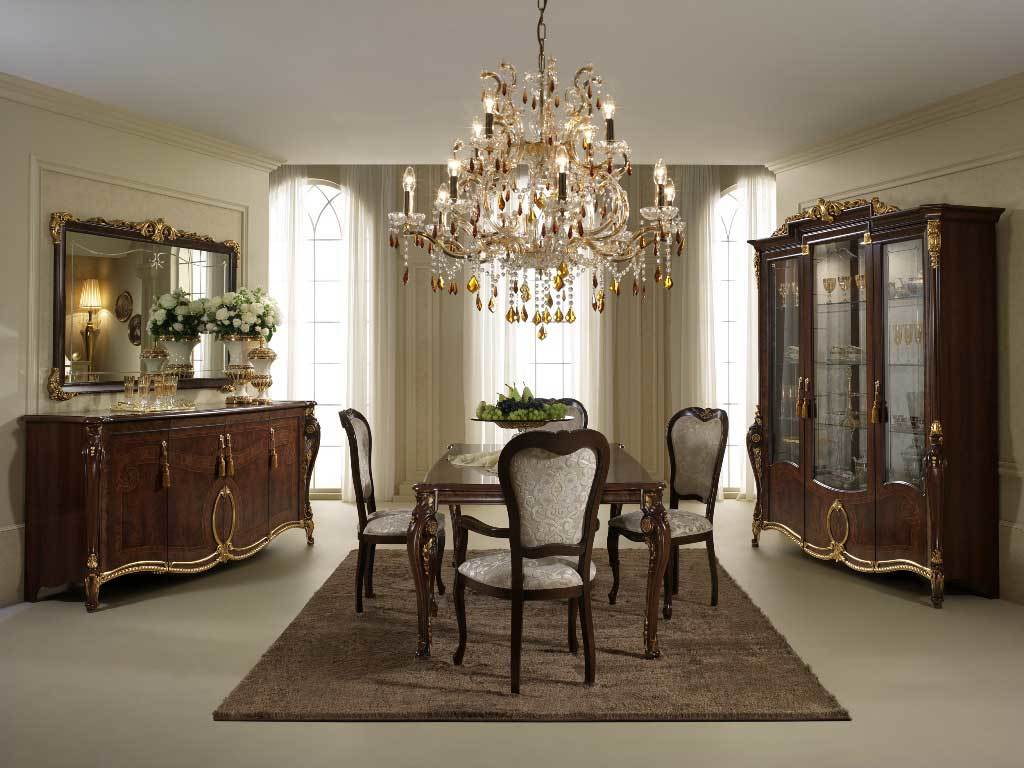 Вне времени и неподвластный воздействию новых веяний, классический стиль всегда подразумевает использование дорогостоящих и качественных материалов для отделки стен, потолка и пола помещения.