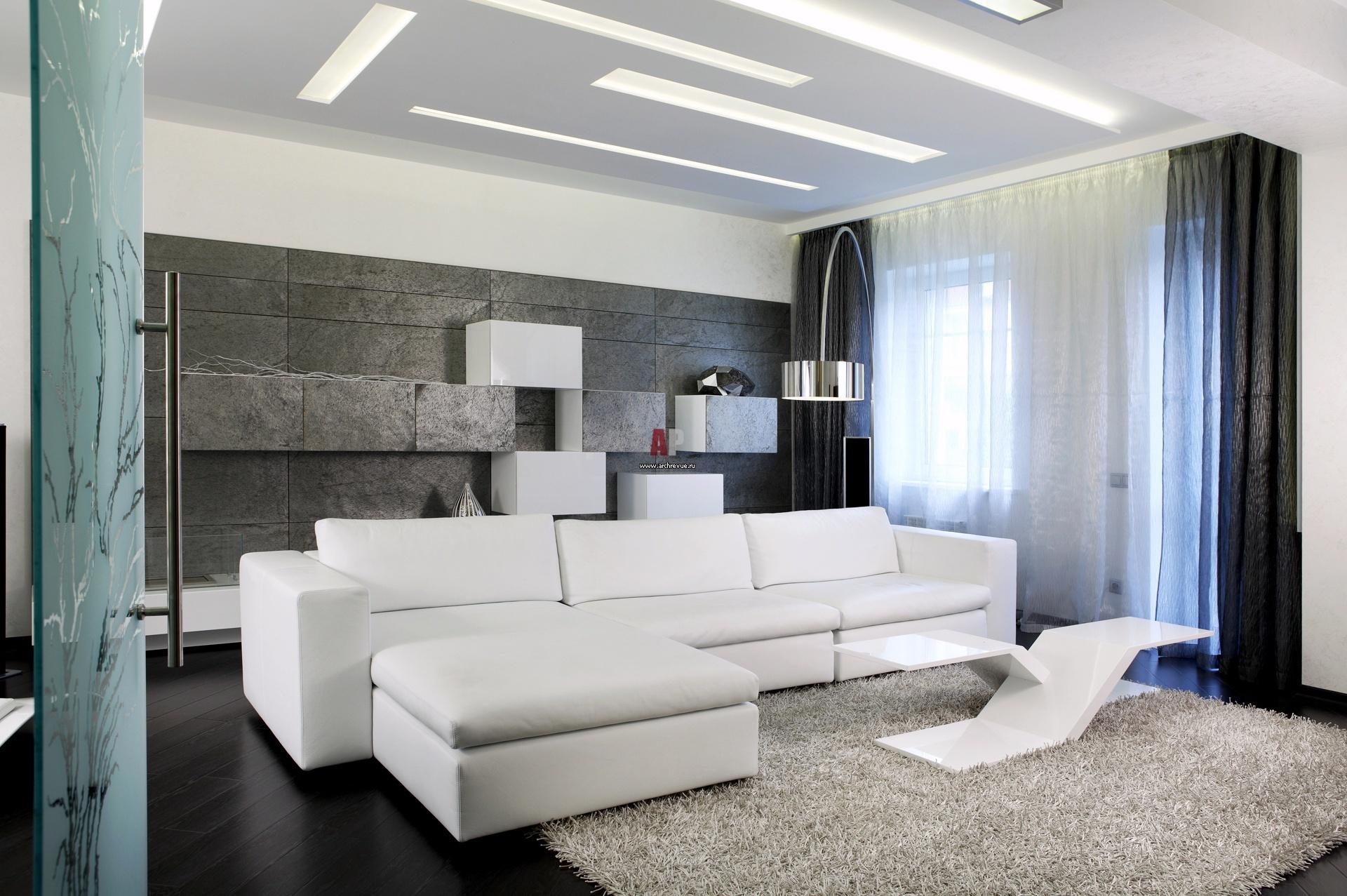 Для изготовления мебели и отделки, в этом случае, используются металл, стекло и пластик.