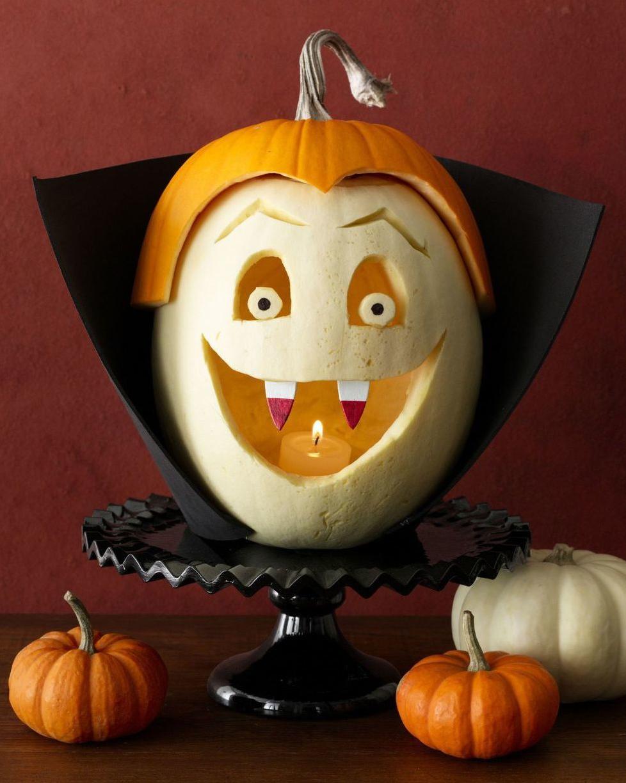 Декор из тыквы на Хеллоуин.