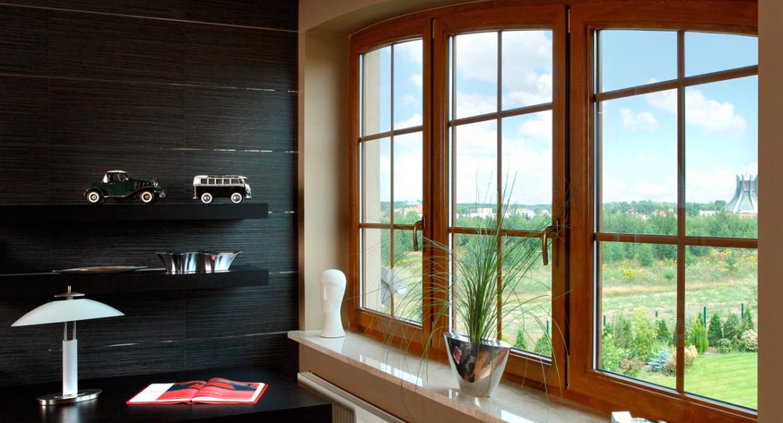 Цветные металлопластиковые окна. Имитация деревянной поверхности.