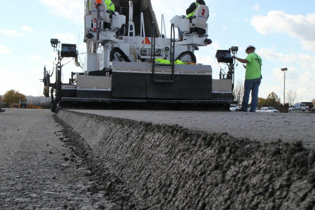 Преимущества бетонных дорог для промышленных предприятий.