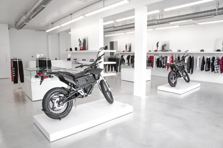Оригинальный дизайн магазина мужской одежды DOPE в Лос-Анджелесе