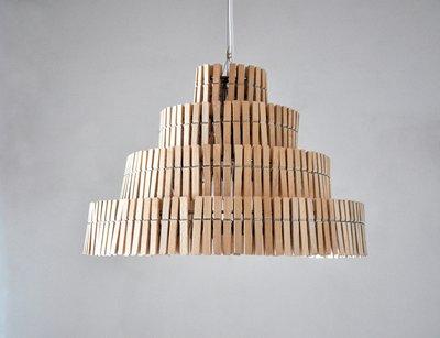 светильник из прищепок