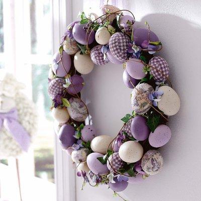 Пасхальный венок - украшение на входную дверь или окно.
