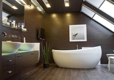 Ванная на мансарде.