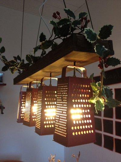 светильник из столовых приборов