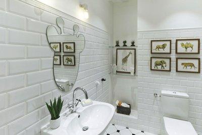 оригинальная форма зеркала в виде оленя