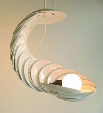 светильник из чайных блюдец