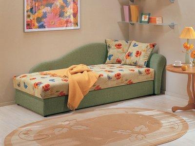 Уголок для чтения из детской кроватки.