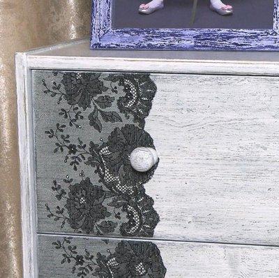Декор комода кружевом и гипюром