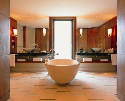 единство дизайна ванной комнаты с остальными помещениями