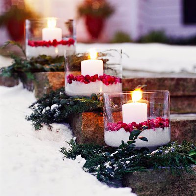 Свечи на ступенях