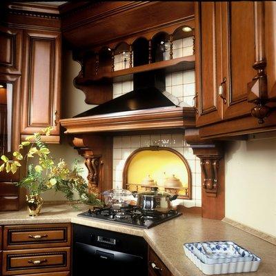 В качестве материала для мебели используется, в основном, дерево.