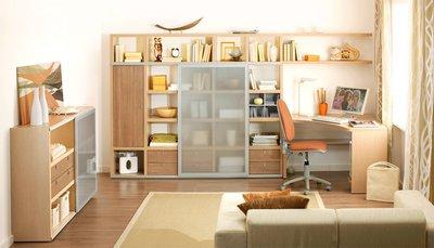Мебель из светлого дерева делает интерьер легче и нейтральнее.