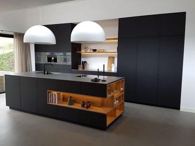 Дизайн черной кухни. Минимализм