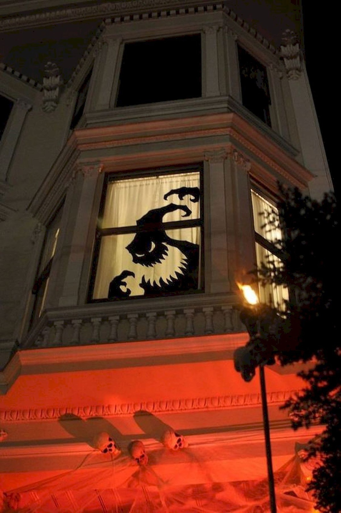 Декоративная наклейка на окно и стены