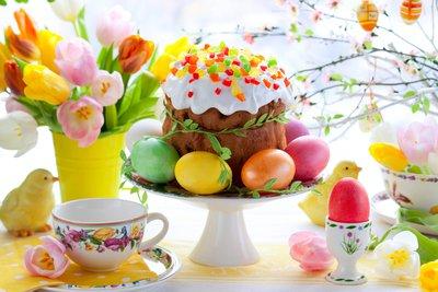 Куличи, творожная пасха и писанки  - то, без чего не обходится празднование Светлого Воскресения.