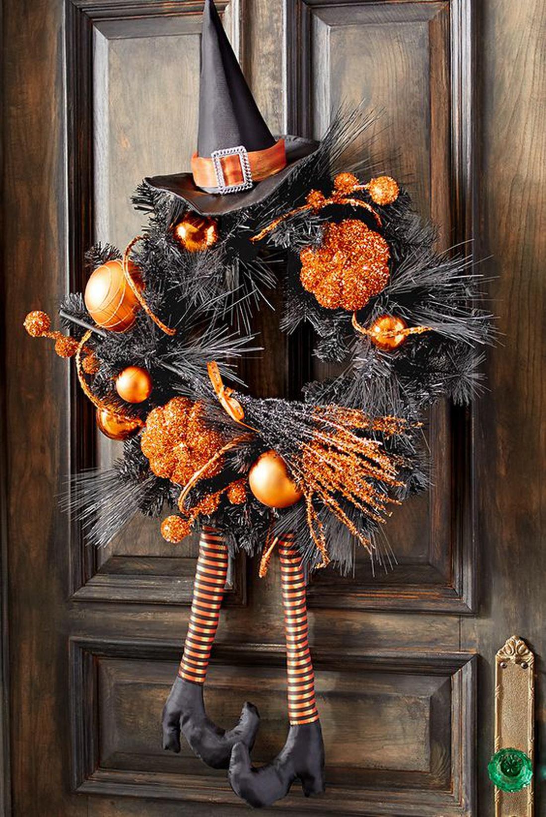 Венок на дверь в День всех святых