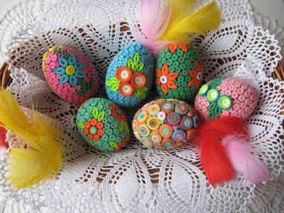 Оформление яиц в технике квиллинг.