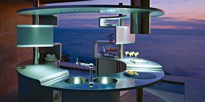 Исконные материалы кухни в стиле «хай-тек» – это алюминий, сталь, прозрачное матовое и белое стекло.